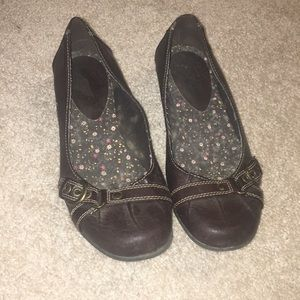 Brown buckle ballet flats